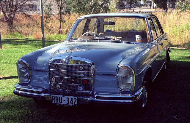 Mercedes-Benz W108 250SE
