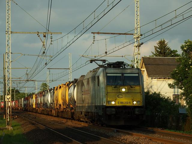 ECR Traxx E 186 312-5 Amboise (37 Indre et Loire) 15-05-18a