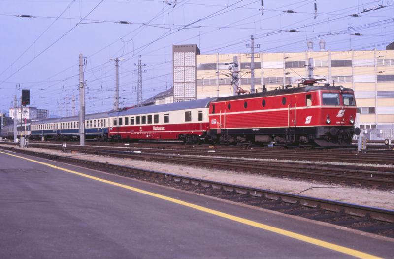 4571 Linz 5 september 1987 by peter_schoeber