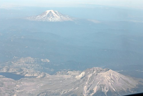 washington inflight mountsthelens mountadams