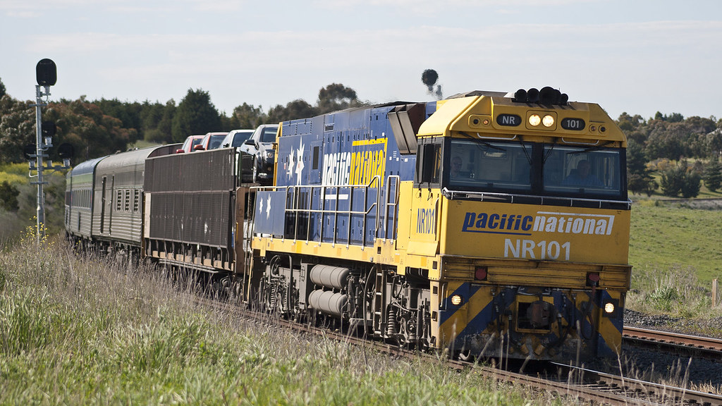 NR101 at Bell Post Hill by michaelgreenhill