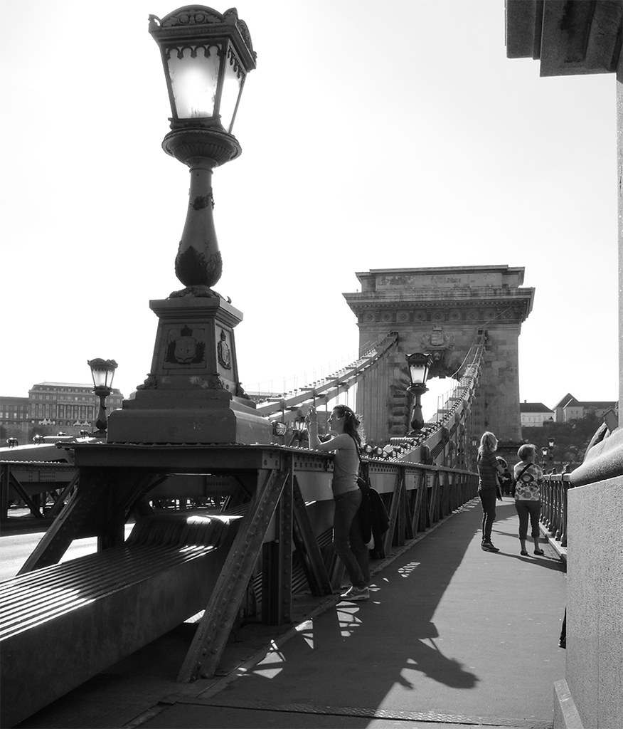 Photographer_on_ChainBridge_0247B&W