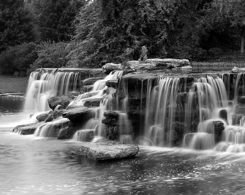 bw fall water waterfall kentucky louisville papajohns