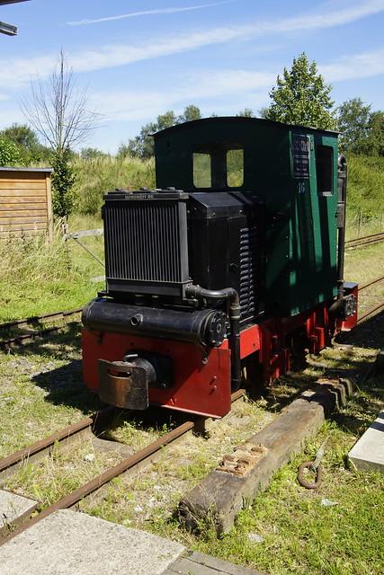 FWM LOK 16 Schöma KML 5.1, Holzgas / 933 / 1946 / B-gm (Kette) / Deutz GF2M 115 / 25 pk in Feldbahn Museum Oekoven 07-08-2016