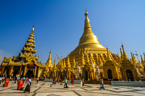 Shwedagon Pagoda in Burma | by llee_wu