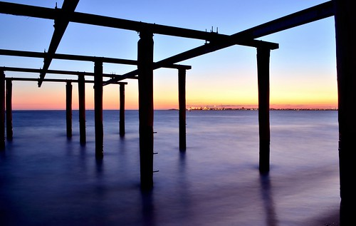 sunset sea beach water silhouette evening bay twilight nikon day dusk australia melbourne victoria clear shore vic albertpark portphillipbay hobsonsbay d5100 nikond5100 phunnyfotos