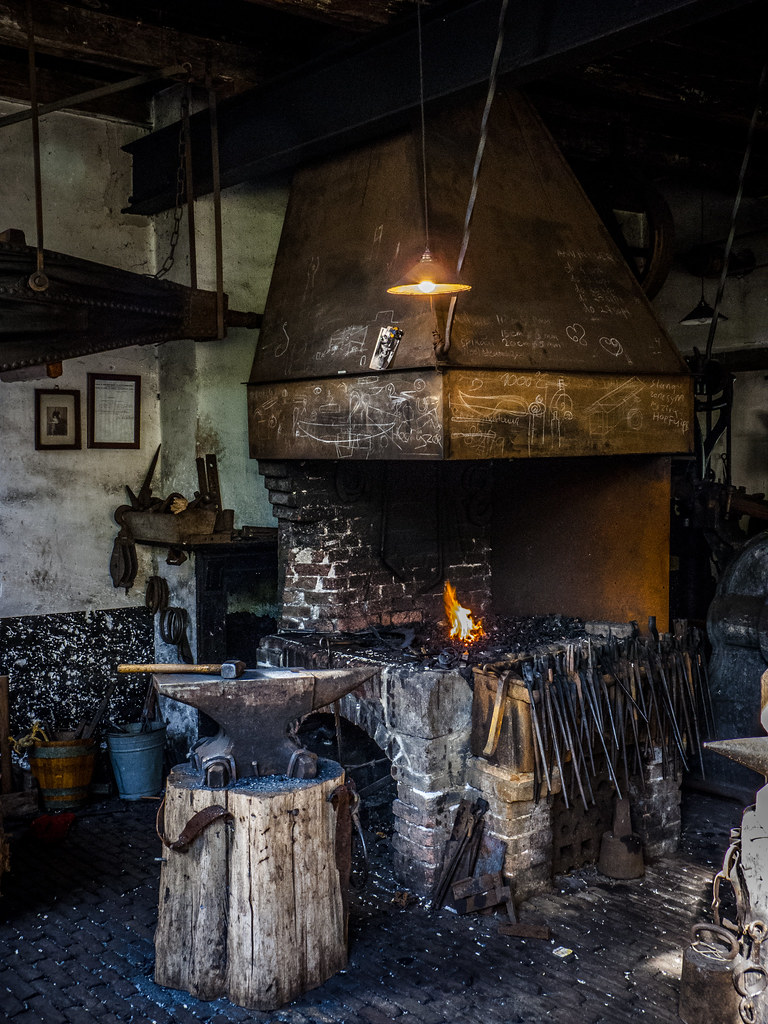Blacksmith's forge and anvil | Chris Parfeniuk | Flickr