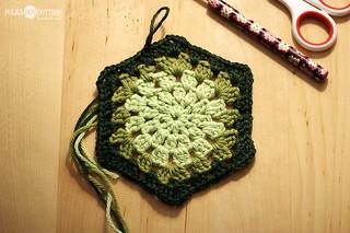How to crochet a granny hexagon