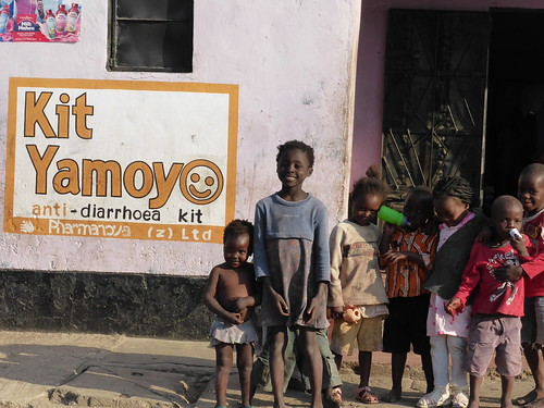 Kit Yamoyo Wall Painting George - with children | by ColaLife