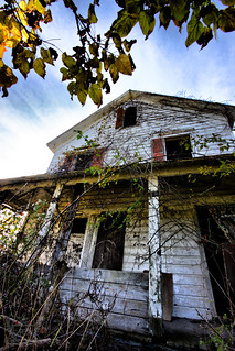 The Tale of an Abandoned Farmhouse and a Serial Killer | by WalkerPhotography & www.AbandonedNY.com