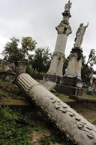 cemeteries cemetery louisiana statues headstones shreveport gravemarkers trueblood louisianacemetery louisianacemeteries