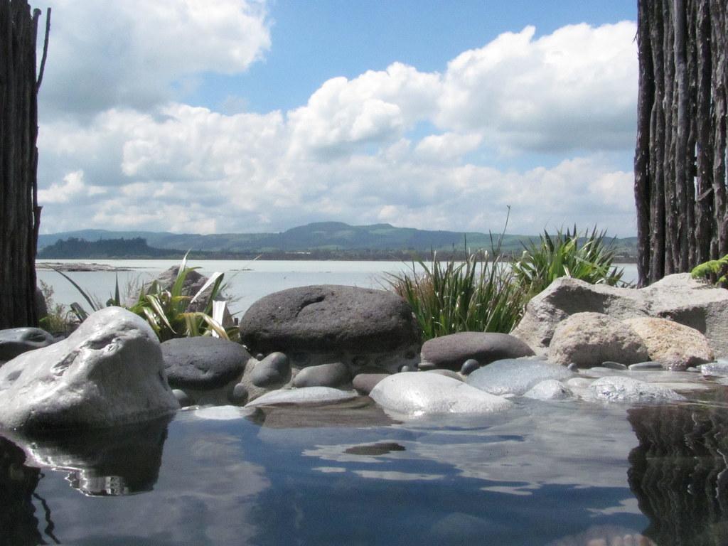 new zealand hot pools