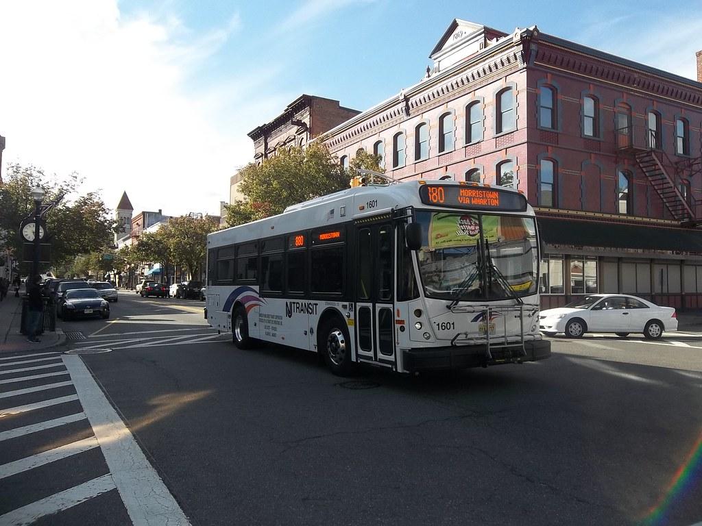NJ Transit NABI 31-LFW 1601 | Working Route 880 on Blackwell