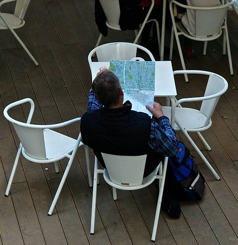 Tourist reading a Lisbon map | by pedrosimoes7