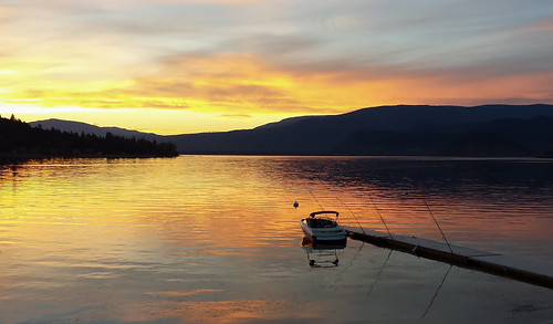 cielo sky beach sunset boat dock shuswaplake bc britishcolumbia shuswap blindbay pattern mountains