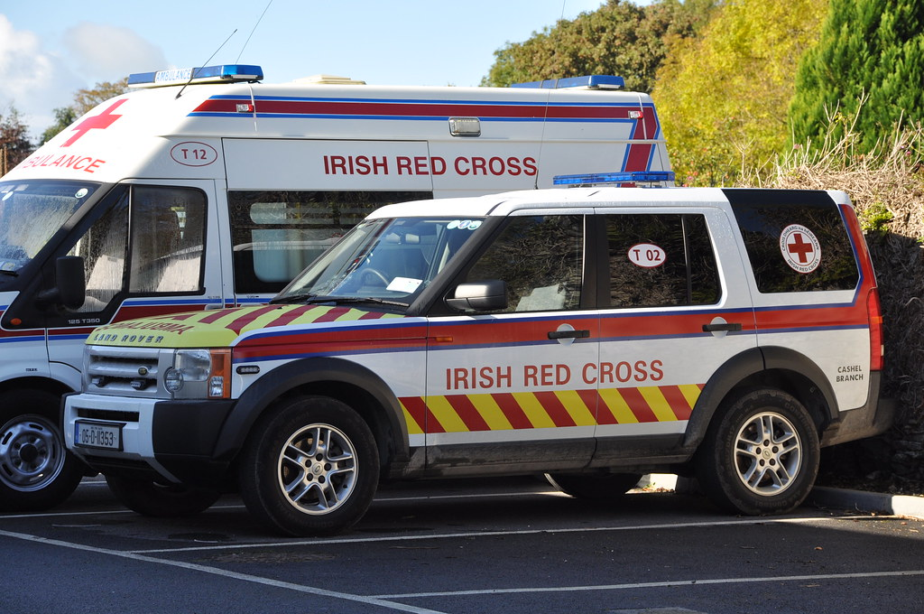 7f298a2479 ... Irish Red Cross 2005 Landrover Discovery 3 TD V6 5DR Sport Commercial  4x4 Ambulance 05D11353