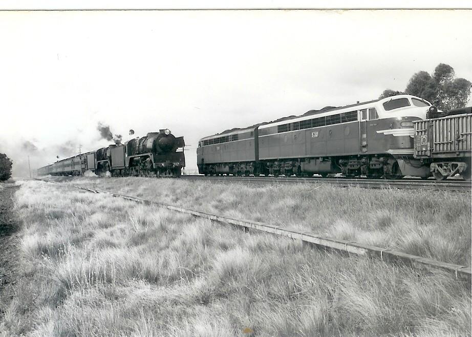 S311-S312 cross R707-R761 Bankbox Loop September 1973 by Robert Aquilina