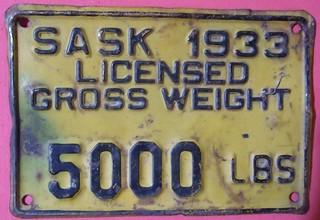 SASKATCHEWAN 1933 ---TRUCK  5000 lbs GROSS VEHICLE WEIGHT SUPPLEMENTAL PLATE