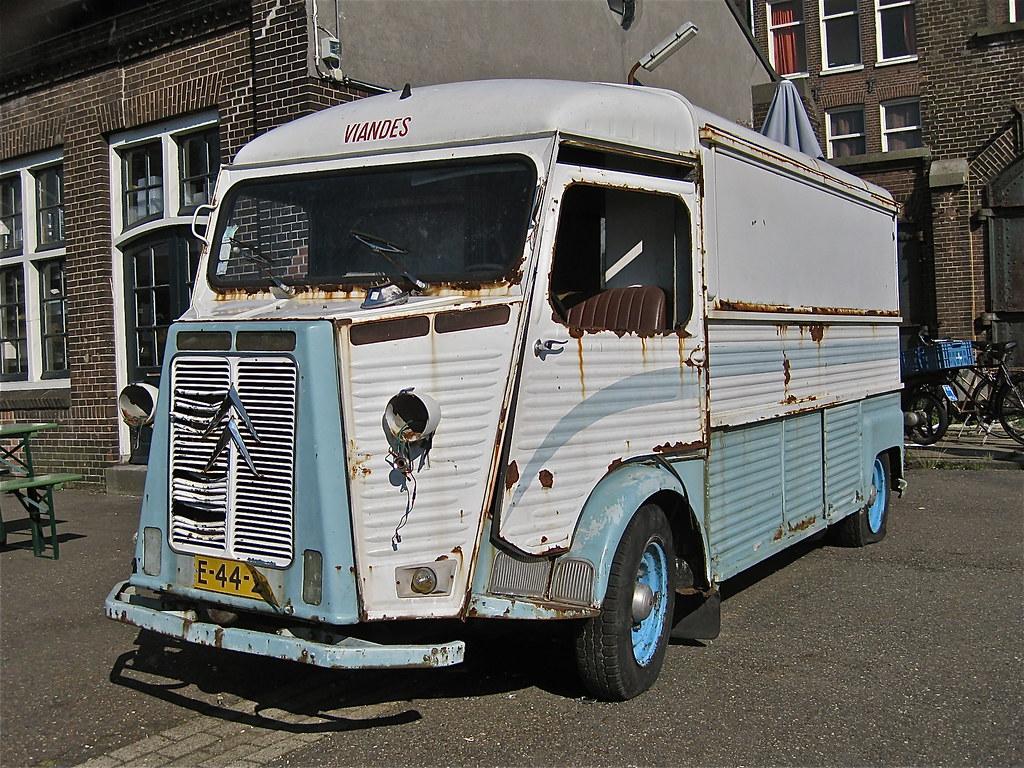 2acf23431277bd ... ClassicsOnTheStreet 1971 CITROËN HY Currus Mobile Shop