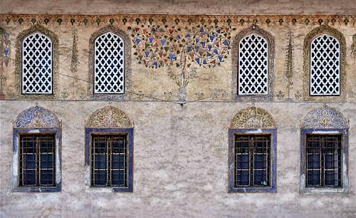 windows decor decoration architecturaldetails architecturaldecor architecture buildings mosques paintedmosque monuments wall textured travnik bosniaandherzegovina balkans travel