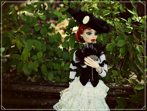 Lady in the country   by noir_saint_lilith