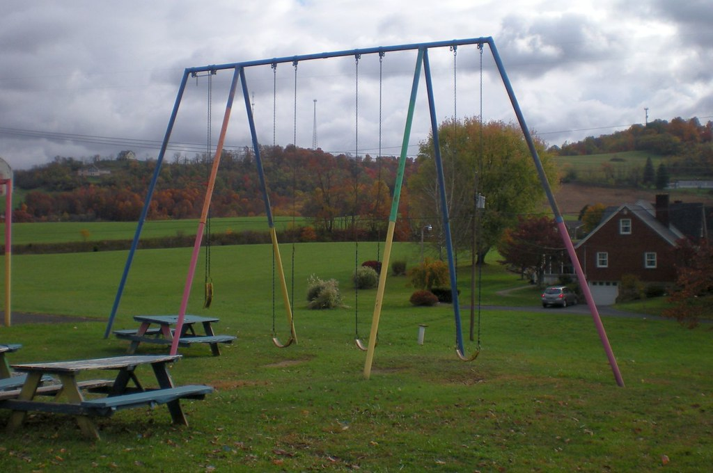 Tall Swing Set These Swings At The Old Smithtown School Ar