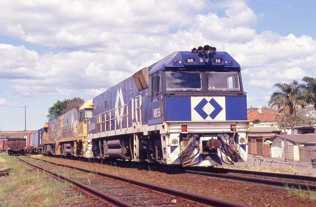 18/09/1998 NR56+27+101 7SP5 departing Cooks River by John  Hammett
