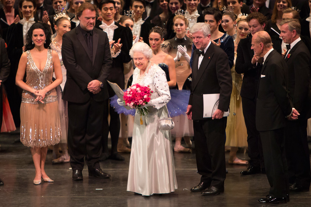 The Queen with Angela Gheorghiu, Bryn Terfel, Tony Hall, P…   Flickr