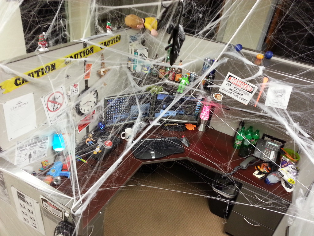 My Halloween Cubicle 2012   Decorated my desk and cubicle ...