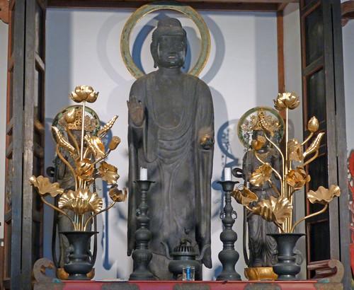Sun, 14/10/2012 - 13:13 - 薬師三尊像のレプリカ。オリジナルは鎌倉国宝館の所蔵。
