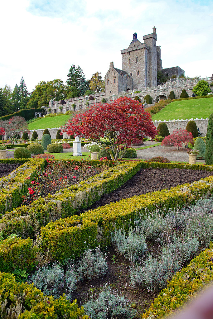 Drummond Castle and Gardens 2012