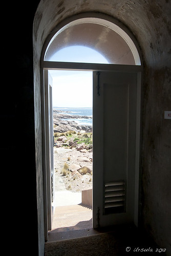 ocean door lighthouse rocks view sunny australia doorway gabo gaboisland gaboislandadventure merimbulaairservices