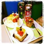 Happy Birthday ビートたけし、おすぎ、ピーコ、笑福亭鶴光、そして俺チン。ウヒョ~