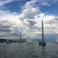On y a cru mais... Gros trou de vent! #régate #CVV #Sailing #Léman #lacleman #bateau #voile