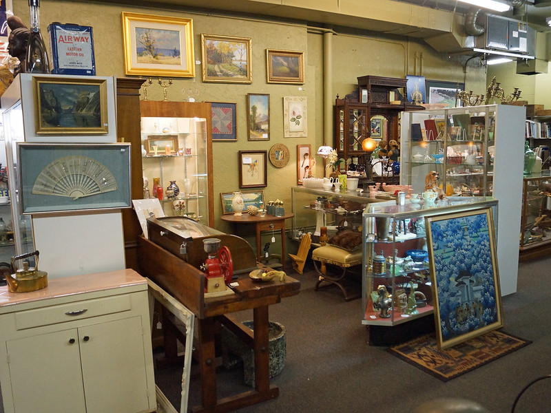 Sellwood Antique Collective 8027 Southeast 13th Avenue Portland, OR 97202