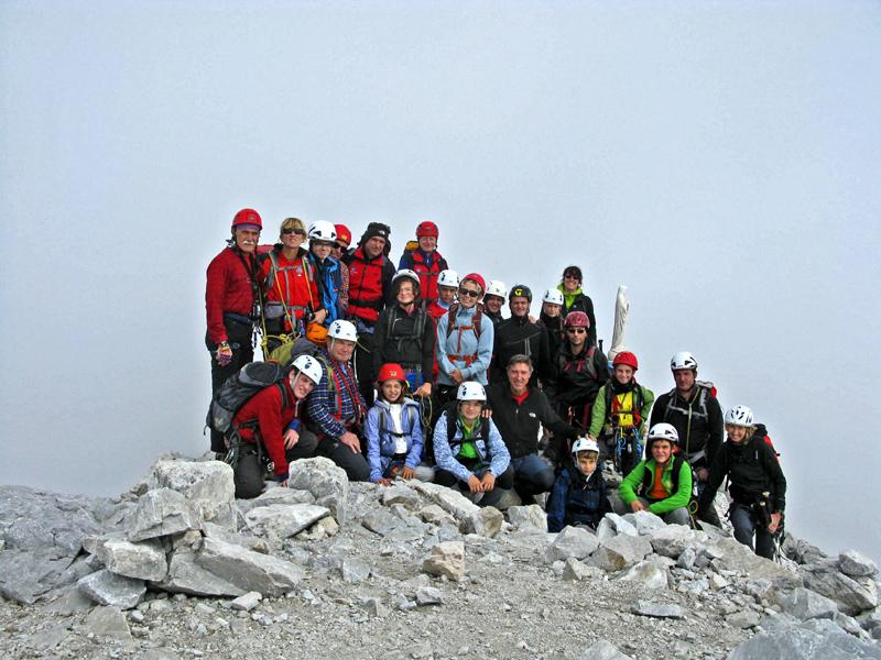 002  Il gruppo Montikids del CAI Gorizia sulla cima del Monte Peralba, 2694 m.