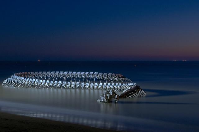 Serpent d'Ocean. Dragon de Mindin Huang Yong Ping