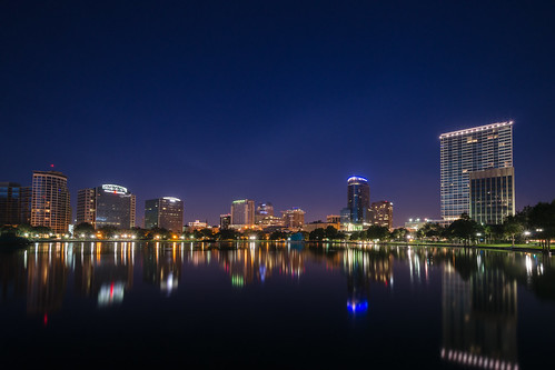 usa reflection water sunrise orlando florida unitedstatesofamerica northamerica fl bluehour lakeeola lakeeolapark