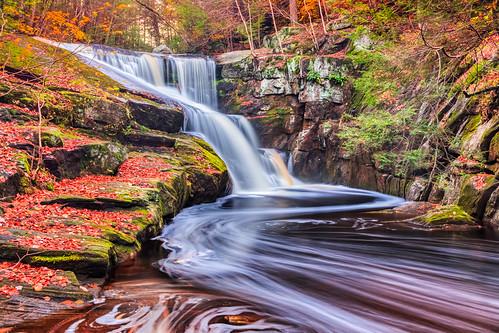 longexposure autumn usa green fall water leaves season waterfall rocks stream connecticut newengland granby hdri endersfalls swirlfoam