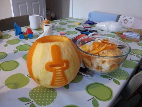Carving cylon pumpkin   by lilspikey