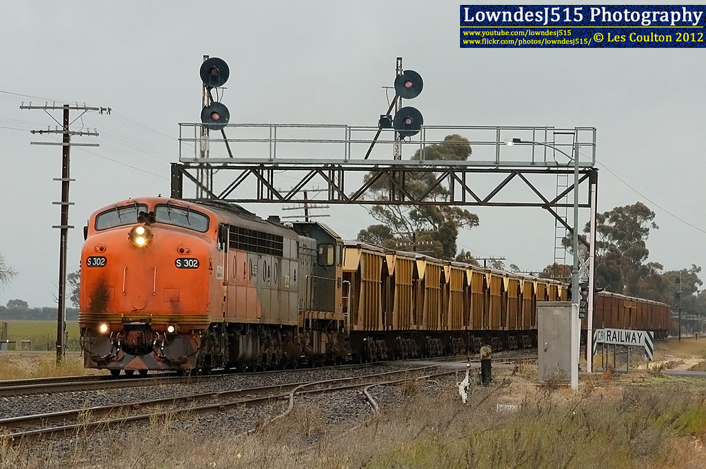 S302 & T386 at Lubeck by LowndesJ515
