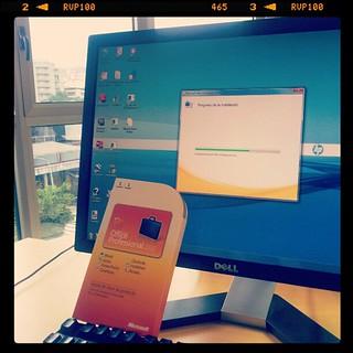 Microsoft office 2010 bajo la lluvia del 2012. #software #tic | by Pedro Baez Diaz @pedrobaezdiaz