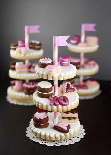 Cookie Dessert Stands   by Bakerella