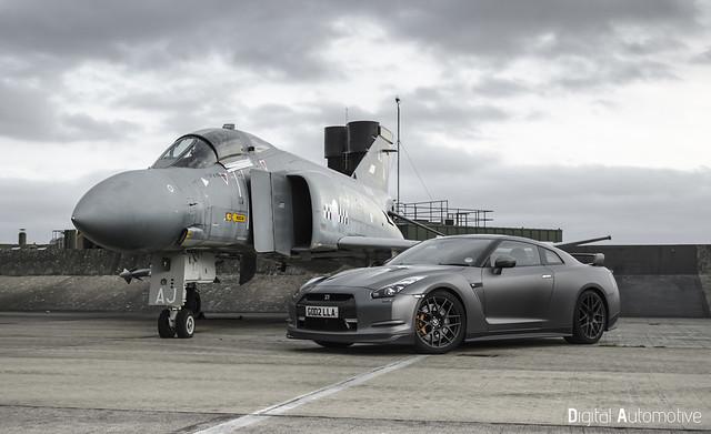 GTR vs F4 Phantom