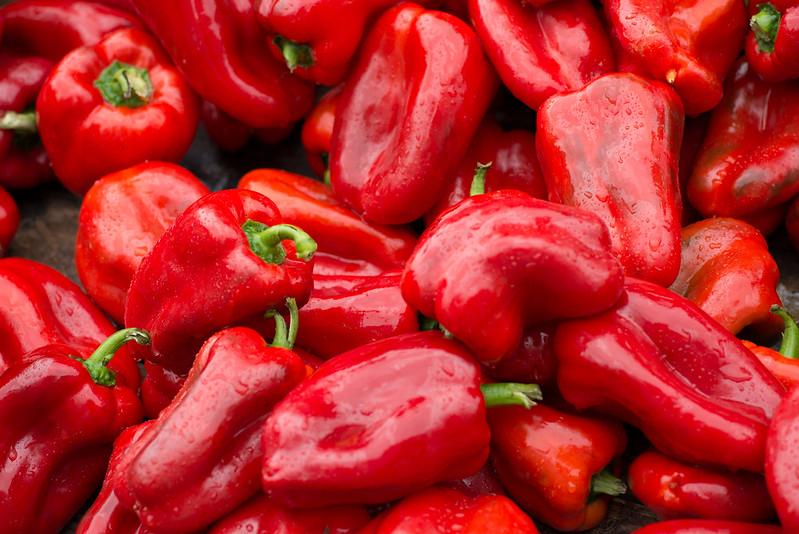 Morrones Rojos   Red Peppers   121023-0428-jikatu