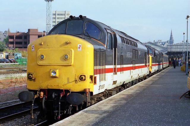 37683 & 37505 at Aberdeen 21:25 London Euston sleeper 31/07/1993