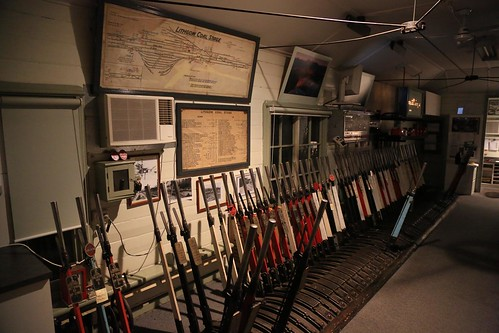 2012-05-15-0333-27-000 Lithgow Coal Stage Signal Box | by gunzel412