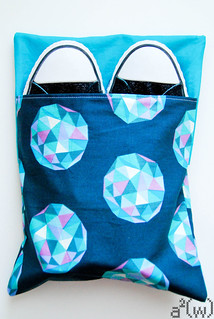Flip Bag Tutorial-Converse   by a²(w) - asquaredw - Ali
