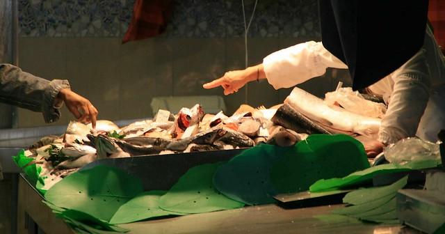 Pescadería en el mercado de la Boquería de Barcelona, 2008