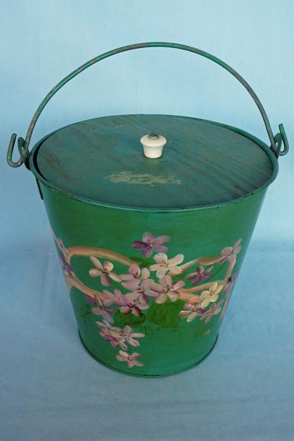 DSC01206 Hand Painted Galvanized Tin Bucket